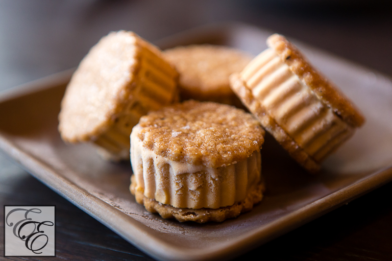 tea shortbread cookies filled with roasted white chocolate ice cream ...