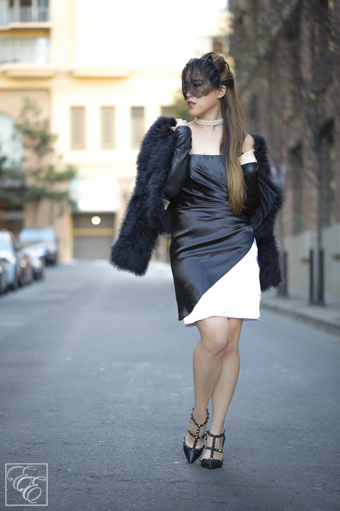 Romantic Outfit of Seduction with a LBD: Fifty Shades of Grey style
