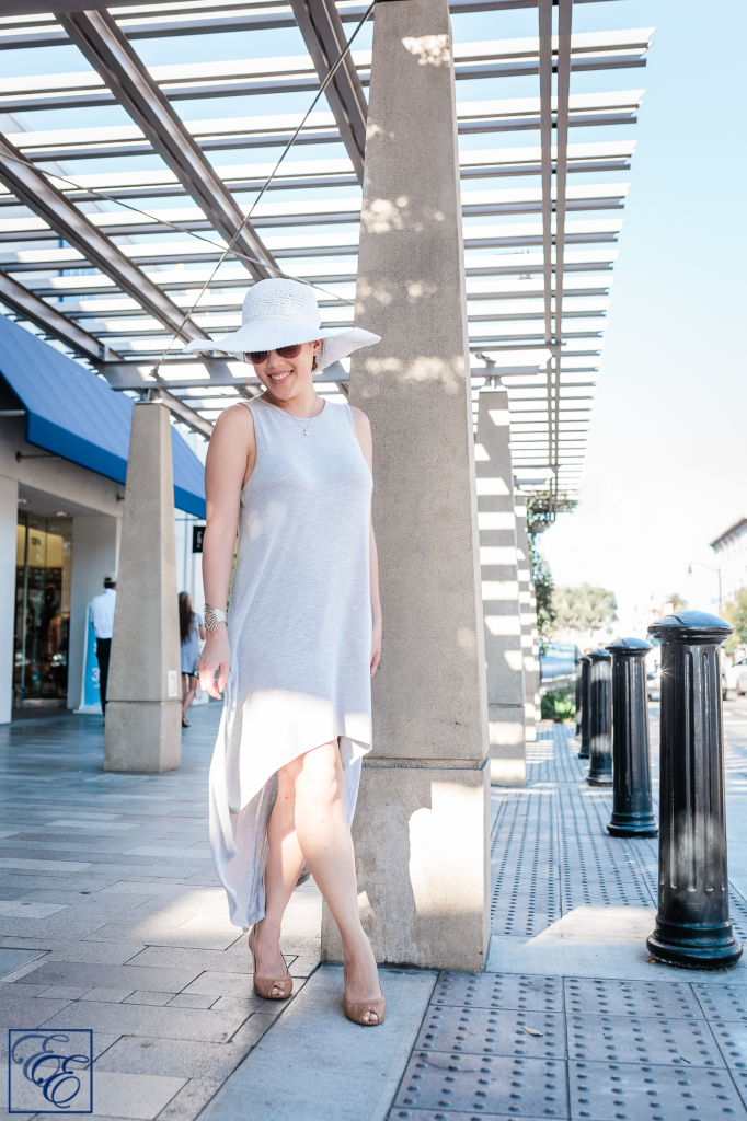 Post-pregnancy new mom style: loosely-flowing dress